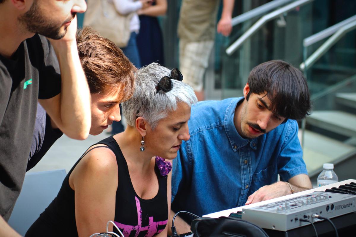 Maison·g a construit un événement original autour d'expériences musicales participatives et contemplatives pour l'inauguration du Grand Hotel-Dieu à Lyon.