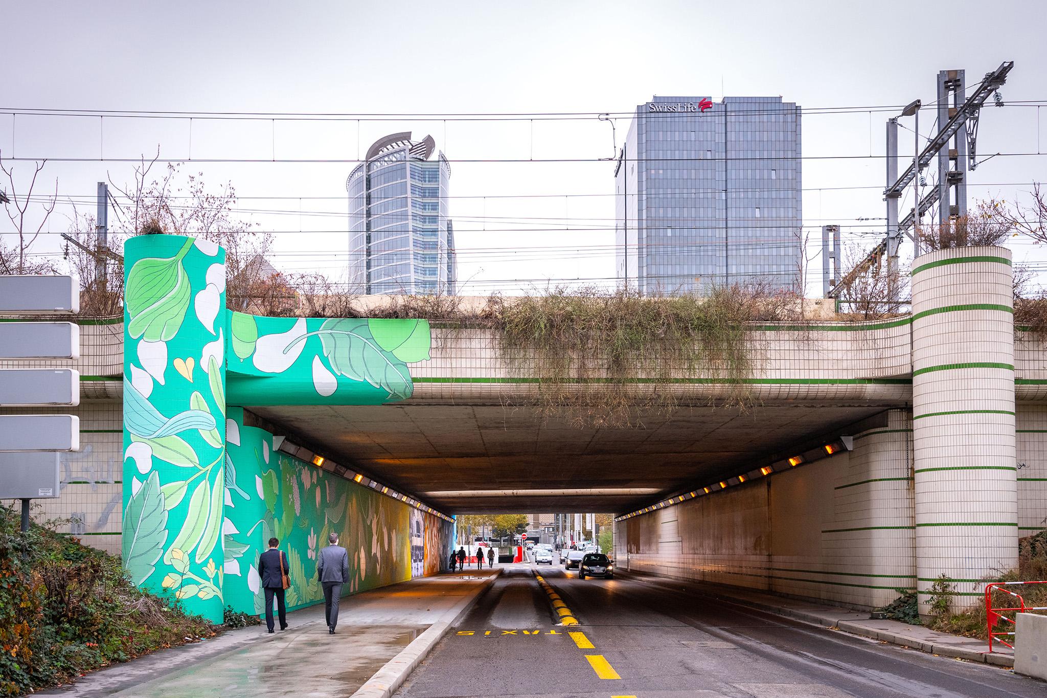 Aménagement de l'espace public par Maison·g pour la SPL Part Dieu (rue Bonnel). Fresque street-art par l'artiste Doa, Lyon