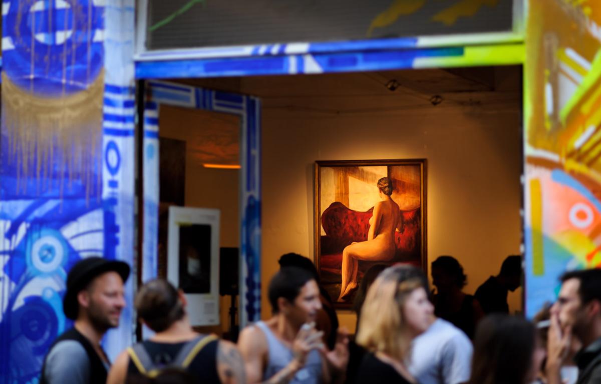 Taverne Gutenberg, résidence artistique éphémère (2015-2018) par Maison·g, agence conseil artistique Lyon. Photo par Lionel Rault, artiste : Cyprian Nocon & Khwezi Strydom